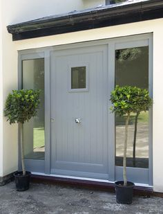 Contemporary Timber Entrance Door by Mumford & Wood. Only issue is position of door knob! Porch Uk, Front Door Porch, Porch Doors, Front Porch Design, Front Door Entrance, House Front Door, House Entrance, Windows And Doors, Grey Windows