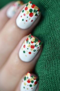 Holiday-inspired glitter nail art – yay or nay? – Susan Ames Holiday-inspired glitter nail art – yay or nay? Holiday-inspired glitter nail art – yay or nay? Xmas Nail Art, Christmas Gel Nails, Dot Nail Art, Christmas Nail Art Designs, Holiday Nails, Christmas Makeup, Diy Christmas Nail Art, Nail Art Diy, Christmas Time