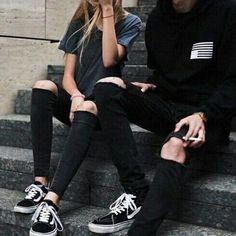 vans old skool and hi Estilo Grunge, Grunge Outfits, Grunge Fashion, Girl Fashion, Fashion Black, Alternative Mode, Alternative Outfits, Emma Carstairs, Grunge Couple