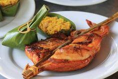 Biết đến ẩm thực Lào không quá cầu kỳ trong món ăn nhưng lại được đánh giá là ngon miệng và sáng tạo. Cũng không kém phần đa dạng về ẩm thực trong các quốc gia cùng khu vực, điển hình có thể kể tên những món ngon như: Gà nướng, lạp, lạp xưởng, thịt heo hấp măng (hoặc cá hấp lá chuối), gà (cá) nấu me, rau luộc, cơm (xôi)… Tất cả đều mang hương vị vừa quen lại vừa lạ vì các nguyên liệu không quá khó tìm, nhưng lạ vì cách chế biến tinh tế và rất đặc trưng.