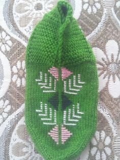Baby Knitting, Knitted Hats, Diy And Crafts, Design, Slipper, Baby Knits, Baby Afghans, Knit Hats
