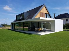 Housetent dow close, bungalow extensions, gable roof, green architecture, a Bungalow Exterior, Bungalow House Design, Modern House Design, Roof Design, Exterior Design, Design Design, House Tent, Future House, Modern Farmhouse