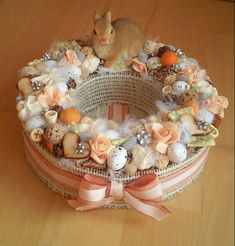 Handmade Crafts, Diy And Crafts, Easter Buckets, Tin Flowers, Easter Celebration, Easter Table, Arte Floral, Easter Wreaths, Easter Crafts