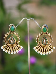 Beautiful Pearl & Polki Earrings   India1001.com