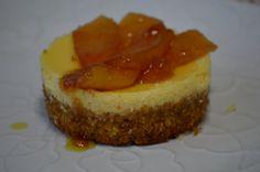 mini cheese cake com compota de maçã