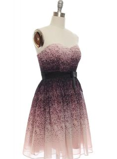 Is this dress what you love? Indie Fashion, Vintage Fashion, Vintage Style Dresses, Dress Vintage, Sweetheart Dress, Retro Dress, Boho Outfits, Plus Size Dresses, Dress Skirt