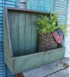 Primitive Box Bin Bowl Shelf Pattern/Plan for sale online Primitive Homes, Primitive Shelves, Primitive Wood Crafts, Primitive Kitchen, Primitive Furniture, Country Furniture, Country Primitive, Primitive Colors, Farmhouse Furniture