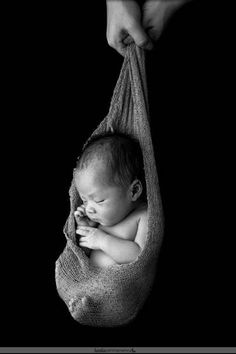 Newborn Photography - Great Article With Plenty Insights About Photography Baby Boy Photos, Cute Baby Pictures, Newborn Pictures, Family Pictures, Foto Newborn, Newborn Session, Baby Boy Newborn, Newborn Photography Poses, Newborn Photographer