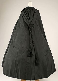 Cape (c.1860s; The Metropolitan Museum of Art)... love the knot work - Worn during the Civil War.