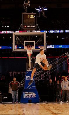 Intel Drone Technology Takes the NBA's 2017 Verizon Slam Dunk Contest to New Heights with First Drone Assist to Aaron Gordon