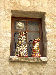Window decor, St Paul de Vence