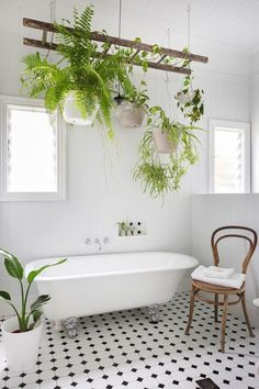Scandinavian bathroom with clawfoot bathtub and hanging plants Bathroom 10 Soothing Scandinavian Bathroom Ideas Modern Country Kitchens, Diy Bathroom Decor, Bathroom Plants, Scandinavian Bathroom, Country Bathroom, Boho Bathroom, Clawfoot Bathtub, Spa Like Bathroom, Bohemian Bathroom
