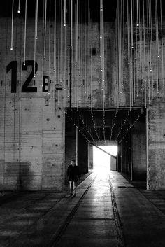 Best Ideas For Architecture and Modern Design : – Picture : – Description Concrete Converted Industrial Space Industrial Architecture, Interior Architecture, Interior And Exterior, Urban Industrial, Industrial Style, Industrial Lighting, Kitchen Industrial, Industrial Bedroom, Industrial Interiors