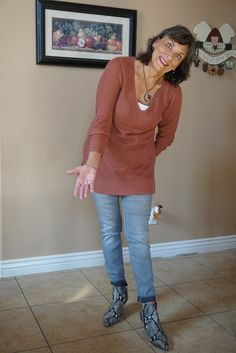 10.03.2020 Old Navy tunic sweater, Loft skinny jeans, snakeskin boots, gifted pendant.