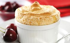 Vaníliás szuflé cseresznyeraguval Sweets Cake, Vanilla Cake, Pudding, Cookies, Food, Crack Crackers, Custard Pudding, Biscuits, Essen