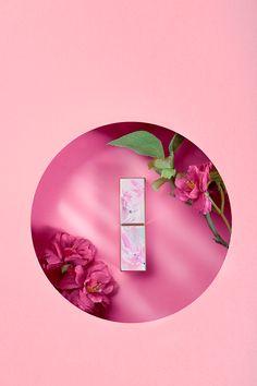奥岚雪-国风口红定制拍摄|摄影|产品|小花卷哟 - 原创作品 - 站酷 (ZCOOL) Conceptual Photography, Advertising Photography, Commercial Photography, Creative Photography, Product Photography, Jewelry Photography, Photography Projects, Beauty Ad, Butterfly Wall Art