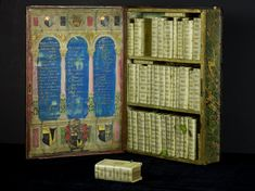 Nerdcore › 17th Century Kindle and a very tiny Sherlock Holmes-Book
