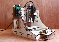 Makesmith CNC Desktop Router - If you are looking for an affordable desktop CNC router and milling machine the new Makesmith CNC machine created by recent university graduates Bar Smith and Tom Beckett might be worth more investigation and is priced at just $195. The CNC has been specifically designed to help you build a desktop CNC machine and uses standard components such as an Arduino Mega board and offers a work area of 9 x 9 x 2 inches. | Geeky Gadgets