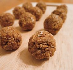 These protein balls are well balanced between a healthy source of fats, complex carbohydrates, and protein. The ingredients are simple and you can change them depending on whichever flavor you crave!