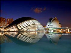 Vanguardismo en la ciudad de las ciencias en Valencia España