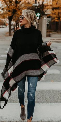 Fashion High-neck Knitting Sweater Cover-Ups Tops – 8 Banana Poncho, distressed jeans, boots Mode Outfits, Chic Outfits, Fashion Outfits, Fashion Clothes, Black Outfits, Outfits 2016, Travel Outfits, Teen Outfits, Dress Outfits