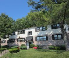 Highland apartments at Seramonte in Hamden recently received contemporary renovations.