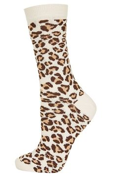 Cute leopard print crew socks http://rstyle.me/n/v964dnyg6