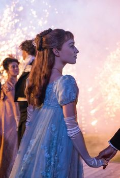 Bridgerton Netflix Quiz | POPSUGAR Entertainment La Sélection Kiera Cass, Ball Dresses, Ball Gowns, Phoebe Dynevor, Fangirl, Regency Dress, Regency Era, Princess Aesthetic, Actrices Hollywood