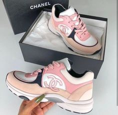 Shared by Maryannel Leyva Leon. Find images and videos about pink, shoes and chanel on We Heart It - the app to get lost in what you love. Chanel Sneakers, Chanel Shoes, Sneakers Fashion, Fashion Shoes, Shoes Sneakers, Shoes Heels, Latest Sneakers, Vogue Fashion, Pink Fashion