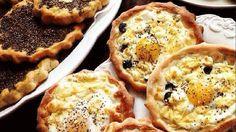 طريقة عمل مناقيش زعتر ومناقيش بيض بالجبن - Delicious thyme and cheese manakish recipe