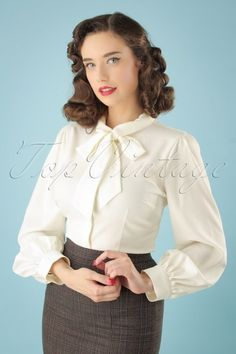 Beccy Blouse in Ivory Tops Vintage, Retro Vintage, 40s Fashion, Ivoire, Ruffle Blouse, Elegant, How To Wear, Outfits, Clothes
