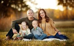 family photography poses | nice family of 4 pose