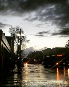 #berkeley#downtown#downtownberkeley#sunset#california#rainyday#californialove#cali#cal#rain#amazingview#today#people#places#c#berkeleyca#winter#2016# by gos__a