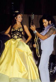 Helena Christensen & Lenny Kravitz (1994) - Versace
