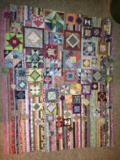 I just finished piecing the Gypsy Wife from Jen Kingwell.  Now I have to figure out how to quilt the thing!  But I'm so in love.