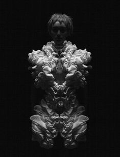 """3D printed dress by Iris van Herpen, with architect Daniel Widrig and .MGX - """"Escapism Couture"""" collection SS11 - photo Petrovski & Ramone"""