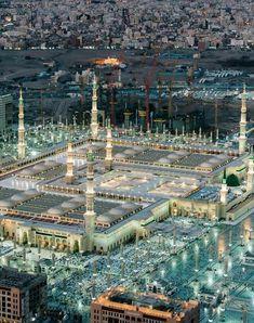 beautiful islam for us Masjid Haram, Al Masjid An Nabawi, Mecca Masjid, Islamic Images, Islamic Pictures, Medina Mosque, Islamic Wallpaper Hd, Allah, Mekkah