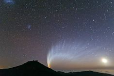 Comet McNaught | ESO Planetary Nebula, Galaxies, Mind Blowing Images, Science Images, The Great Comet, Solar Activity, Advantages Of Solar Energy, Hubble Space Telescope, Image Archive