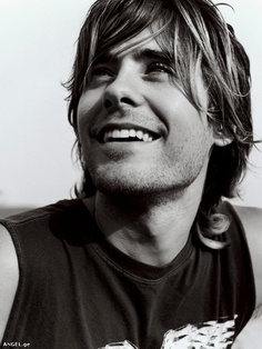 Jared Leto looks like Zac Efron in this pic. Lol