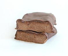 Vegan Chocolate Protein Bars. See the full recipe here: http://www.bulkpowders.co.uk/the-core/vegan-chocolate-protein-bar-recipe/