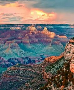 How to plan for a trip to Grand Canyon? One of the world's seven natural wonders, the Grand Canyon's immense scale, breathtaking beauty and indescribable rock formations attract thousands of touris. All Nature, Amazing Nature, Parc National, National Parks, Places To Travel, Places To See, Travel Destinations, Beautiful World, Beautiful Places