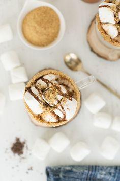 Cinnamon S'mores Coffee / Coffee Recipe / Dunkin' Donuts Home Brew Coffee / Breakfast Recipes / Sponsored by Walmart Coffee Cream, Coffee Coffee, Morning Coffee, Sunday Coffee, Winter Coffee, Drinking Coffee, Coffee Beans, Coffee Time, Coffee Cups