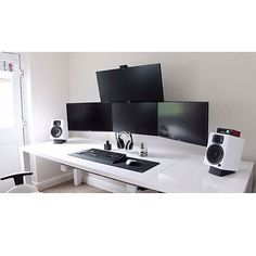 High-Contrast Black and White Computer/Desk/Office