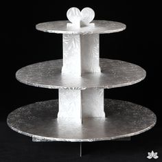 Beautifully display your amazing cupcakes with this disposable 3 tier Cupcake Stand. Nicely pre-covered in a greaseproof embossed foil finish makes it very classy & reusable. Very easy to assemble and Cardboard Cupcake Stand, 3 Tier Cupcake Stand, Doughnut Wedding Cake, Wedding Cupcakes, Fun Cupcakes, Cupcake Cakes, Amazing Cupcakes, Cake Trends, Cake Decorating Tools