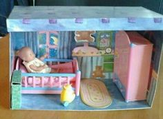 Schlafzimmer mit Puppe,Schrank,Bett,Ente.