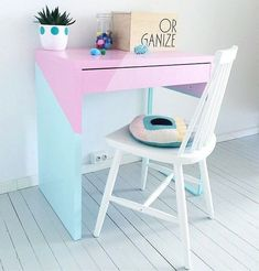 24 Best IKEA Desk Hacks To Need To Try :: a bold color block Micke hack in pastel shades with geometric touches is great as a small working space kids desk 24 Best IKEA Desk Hacks You Need To Try Ikea Molger, Ikea Linnmon, Ikea Micke, Ikea Kids Desk, Kid Desk, Ikea Hack Kids, Desk Hacks, Best Ikea, Ikea Furniture