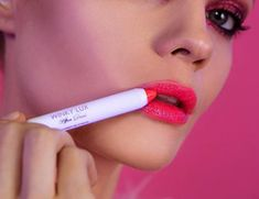 Just when we thought we've seen every kind of lip product there is, New York-based beauty brand Winky Lux has launched a glow-in-the-dark lip crayon. Neon Lipstick, Dark Lipstick, Watermelon Jelly, Winky Lux, Lip Swatches, Glow Sticks, Lip Balm, Lip Gloss, Fragrance
