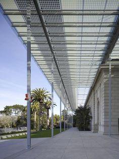 California Academy of Sciences by Renzo Piano. Solar canopy.