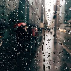 Rainy day in New York / photo by visualmemories_