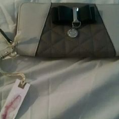 Clutch / handbag Jessica Simpson. Never used. Jessica Simpson Bags Clutches & Wristlets